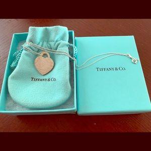 Tiffany & Co heart pendant necklace